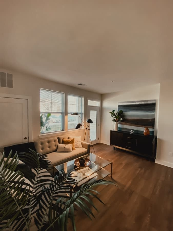 TIPS TO RENOVATE LIVING ROOM