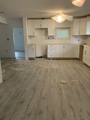 Kitchen Cabinets-D&R Flooring and Renovations