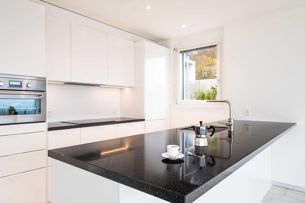 Kitchen Renovation-D&R Flooring and Renovations